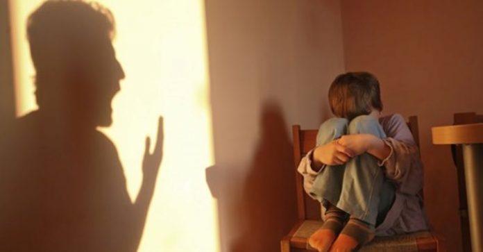 Як постійний крик на дитину, впливає на її здоров'я. Ніколи ...